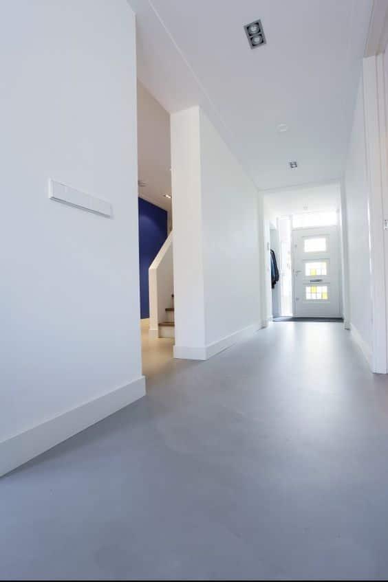 betonlook vloer moderne woning